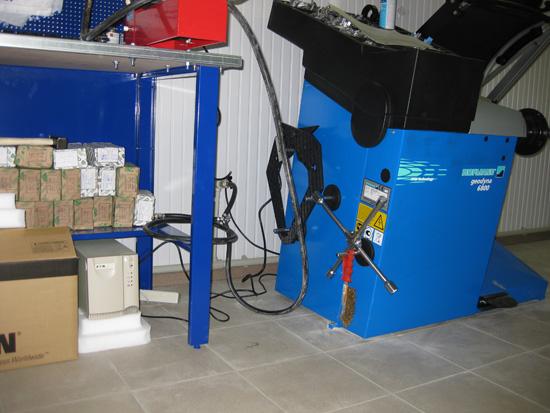 Пример использования ИБП Eaton 5115 1000 ВА для защиты шиномонтажного оборудования